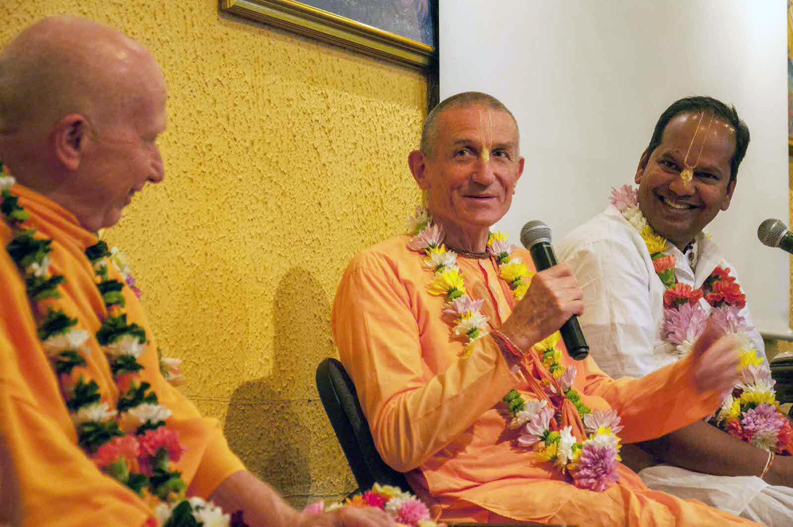 HH Chandramauli Swami, Jananivas prabhu and Brajavilas prabhu during TOVP Euro Tour in Ljubljana, Slovenia